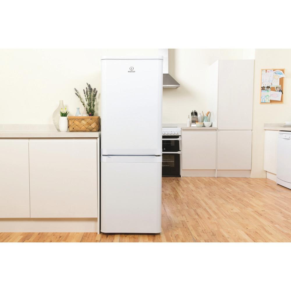 Indesit Комбиниран хладилник с камера Свободностоящи NCAA 55 Бял 2 врати Lifestyle frontal