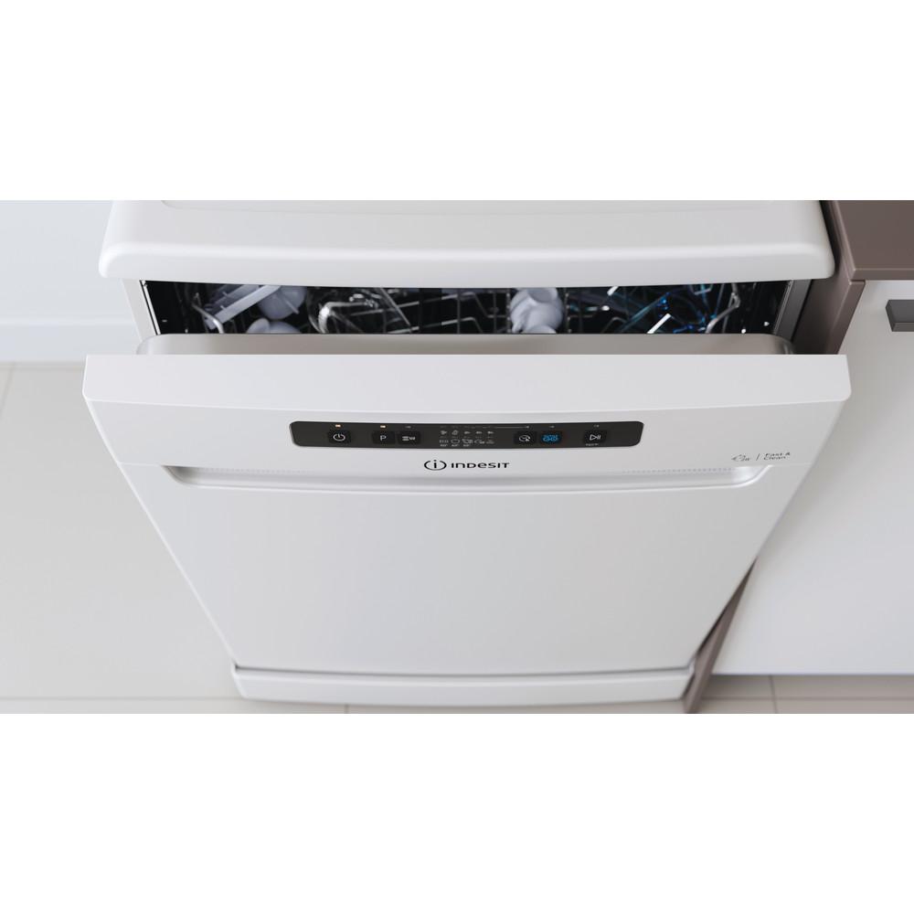 Indesit Dishwasher Free-standing DFC 2B+16 UK Free-standing F Lifestyle control panel