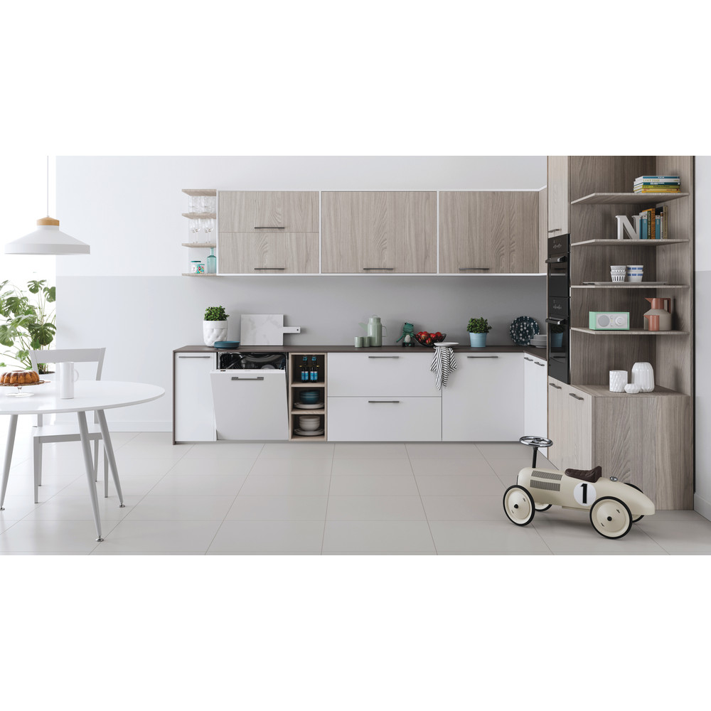 Indesit Lave-vaisselle Encastrable DIC 3B+16 A S Tout intégrable F Lifestyle frontal
