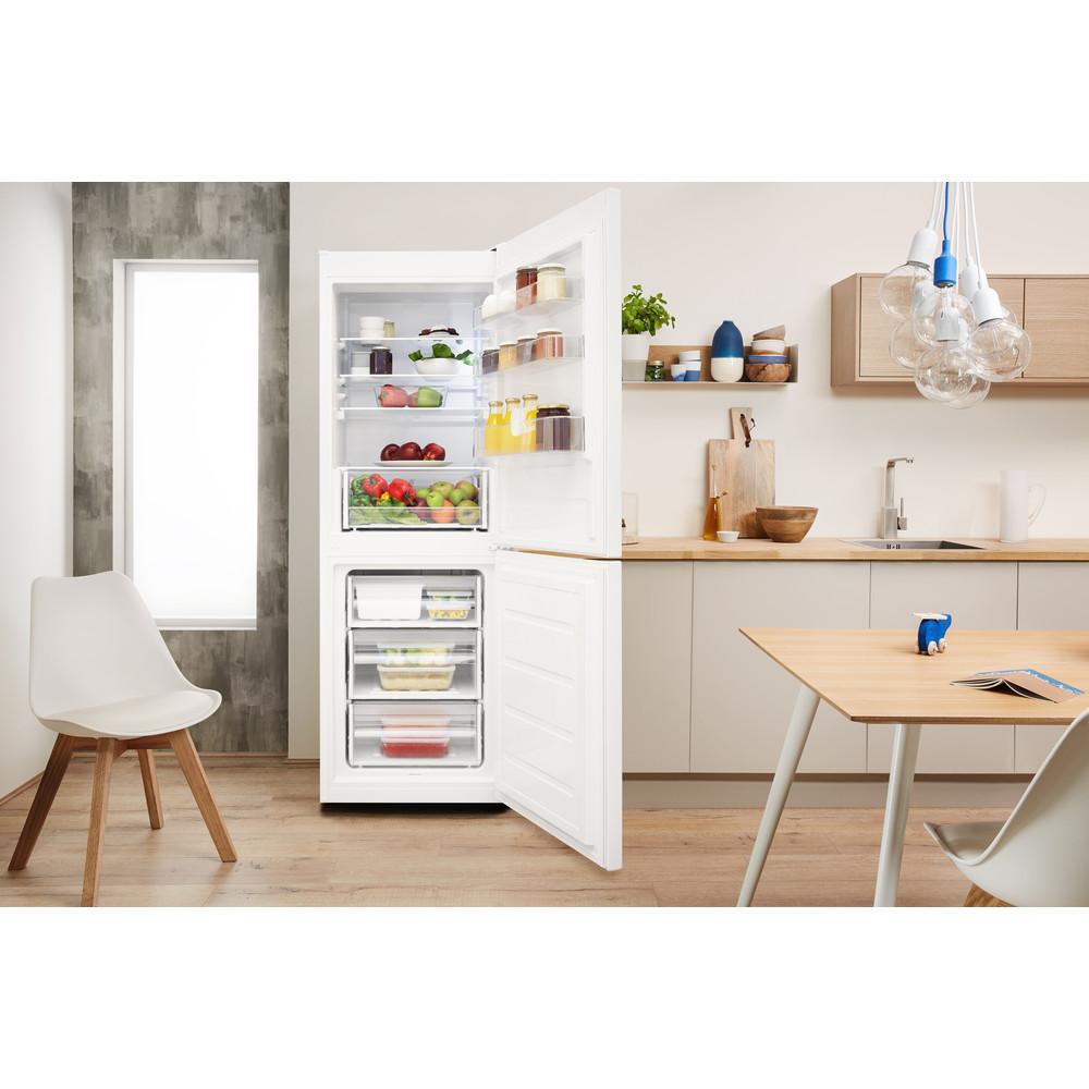 Indesit Kombinovaná chladnička s mrazničkou Voľne stojace LR7 S2 W Biela 2 doors Lifestyle frontal open