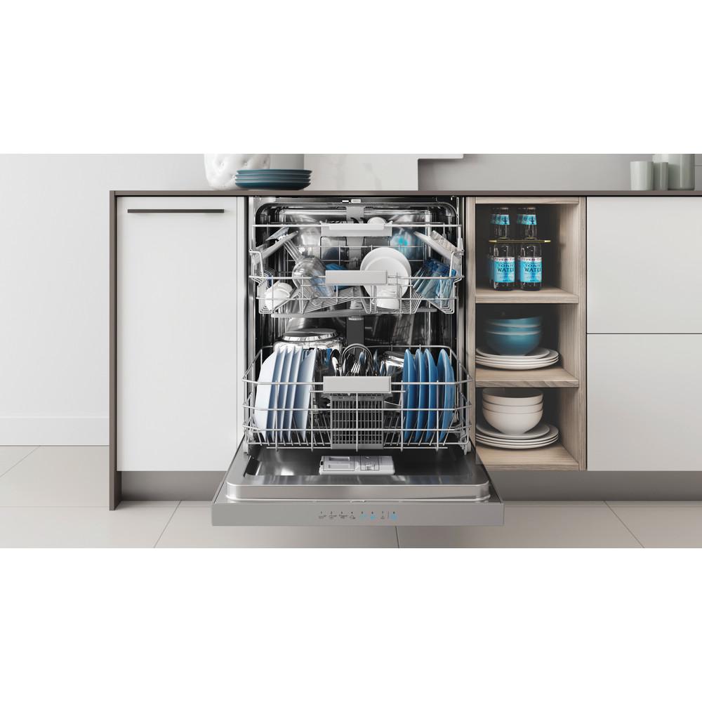 Indesit Lave-vaisselle Encastrable DBC 3C24 AC X Semi-intégré E Lifestyle frontal open