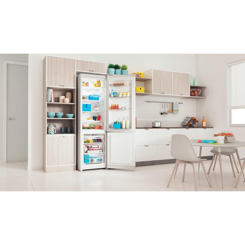Indesit Холодильник с морозильной камерой Отдельностоящий ITR 5200 W Белый 2 doors Lifestyle perspective open