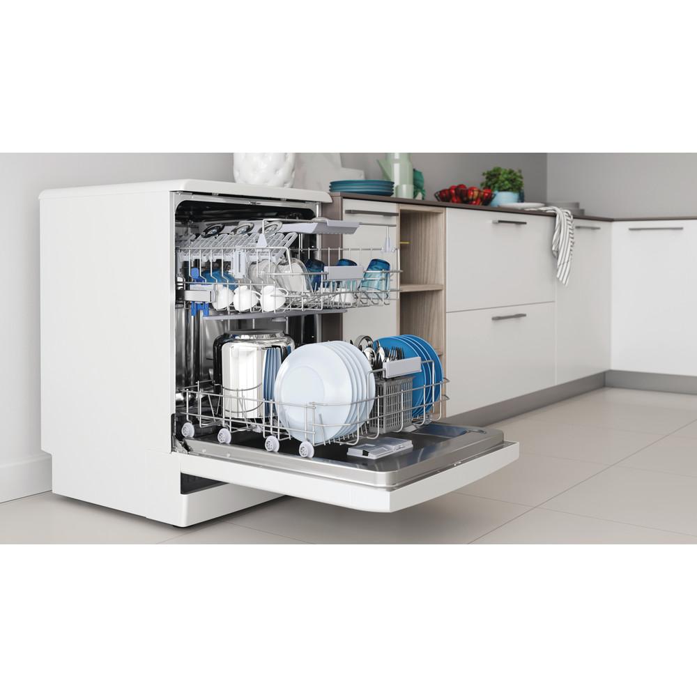 Indesit Mašina za pranje posuđa Samostojeći DFC 2B+19 AC Samostojeći F Lifestyle perspective open