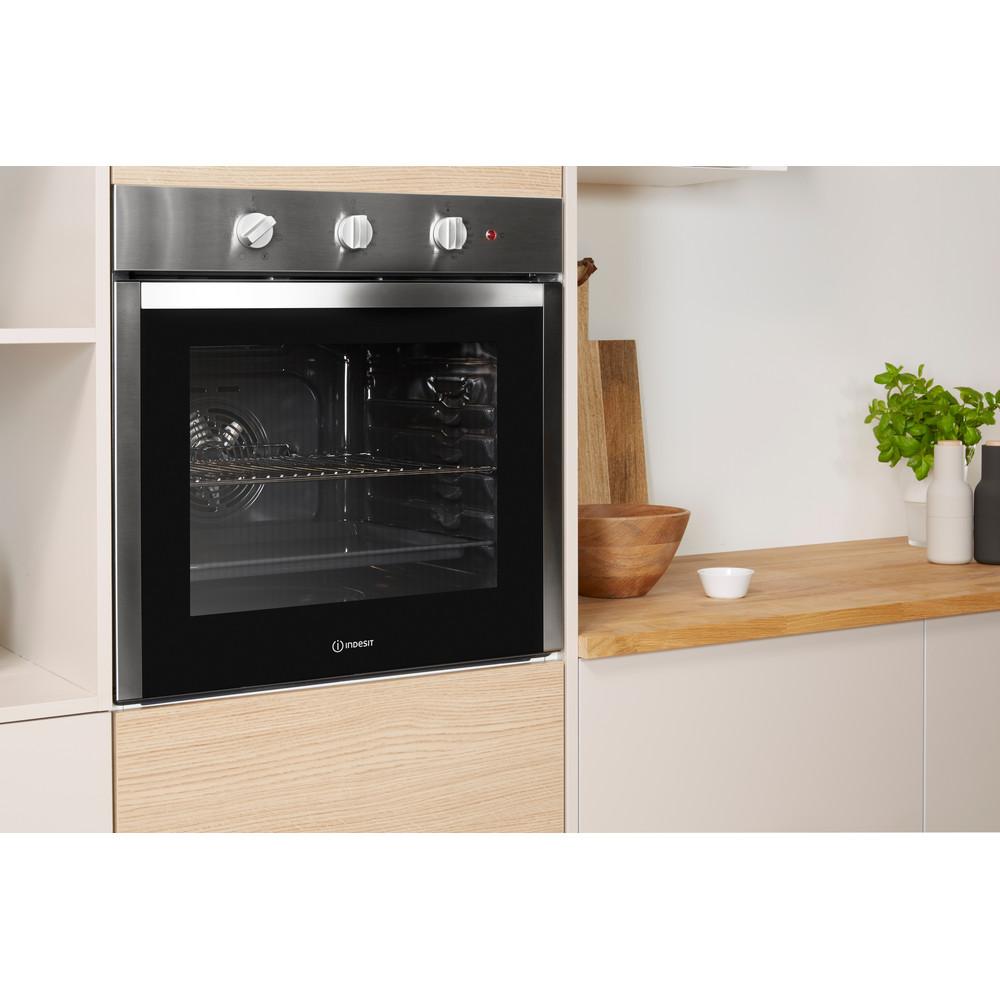 Indesit Духовой шкаф Встраиваемый IGW 620 IX Газовая A Lifestyle perspective