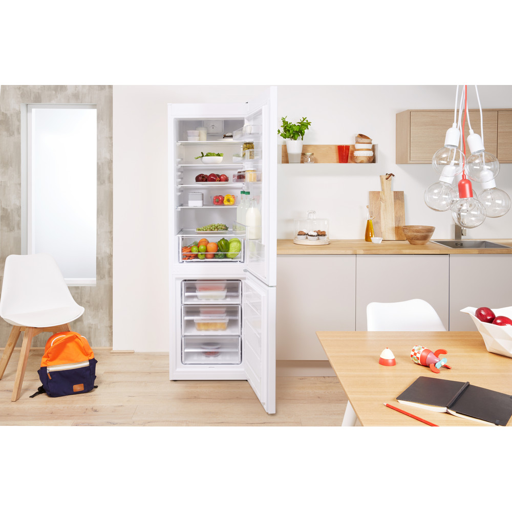 Indesit Kombinerat kylskåp/frys Fristående LR9 S1Q F W White 2 doors Lifestyle frontal open