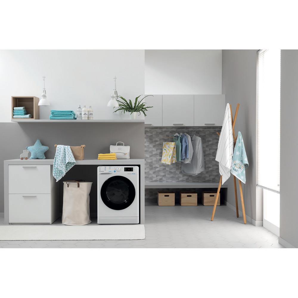 Indesit Kombineret vaskemaskine/tørretumbler Fritstående BDE 1071482X WK EU N Hvid Frontbetjent Lifestyle frontal