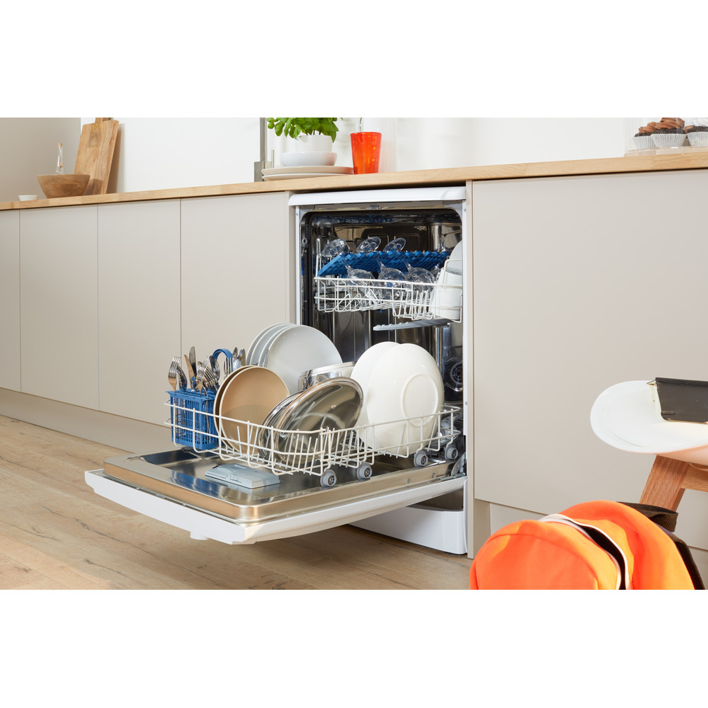Indesit Dishwasher Free-standing DFG 15B1 UK Free-standing A Lifestyle perspective open