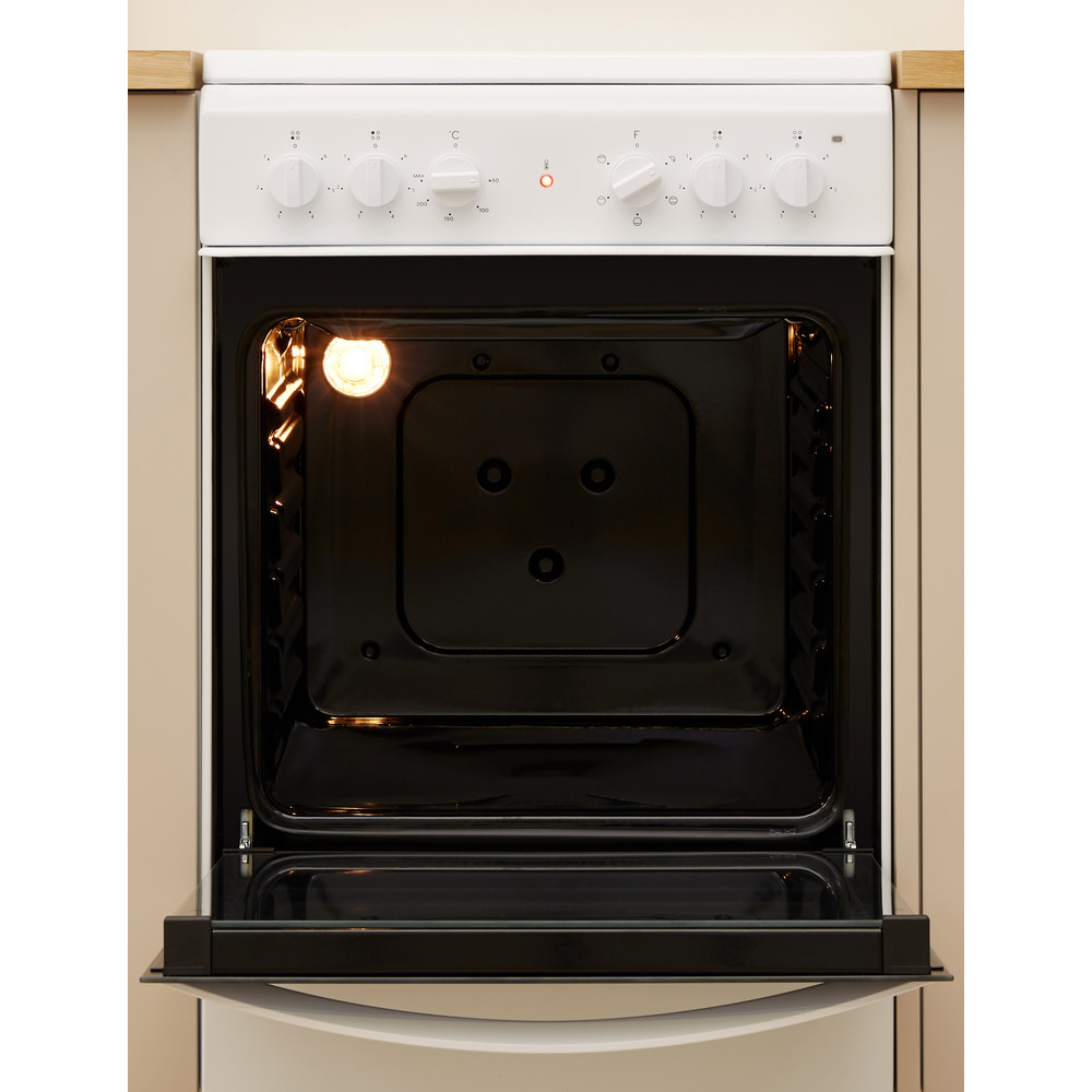 Indesit Cooker IS5V4KHW/UK White Electrical Lifestyle frontal open