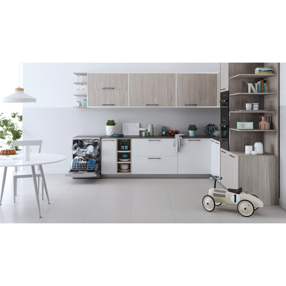 Indesit Dishwasher Free-standing DFC 2B+16 S UK Free-standing F Lifestyle frontal open