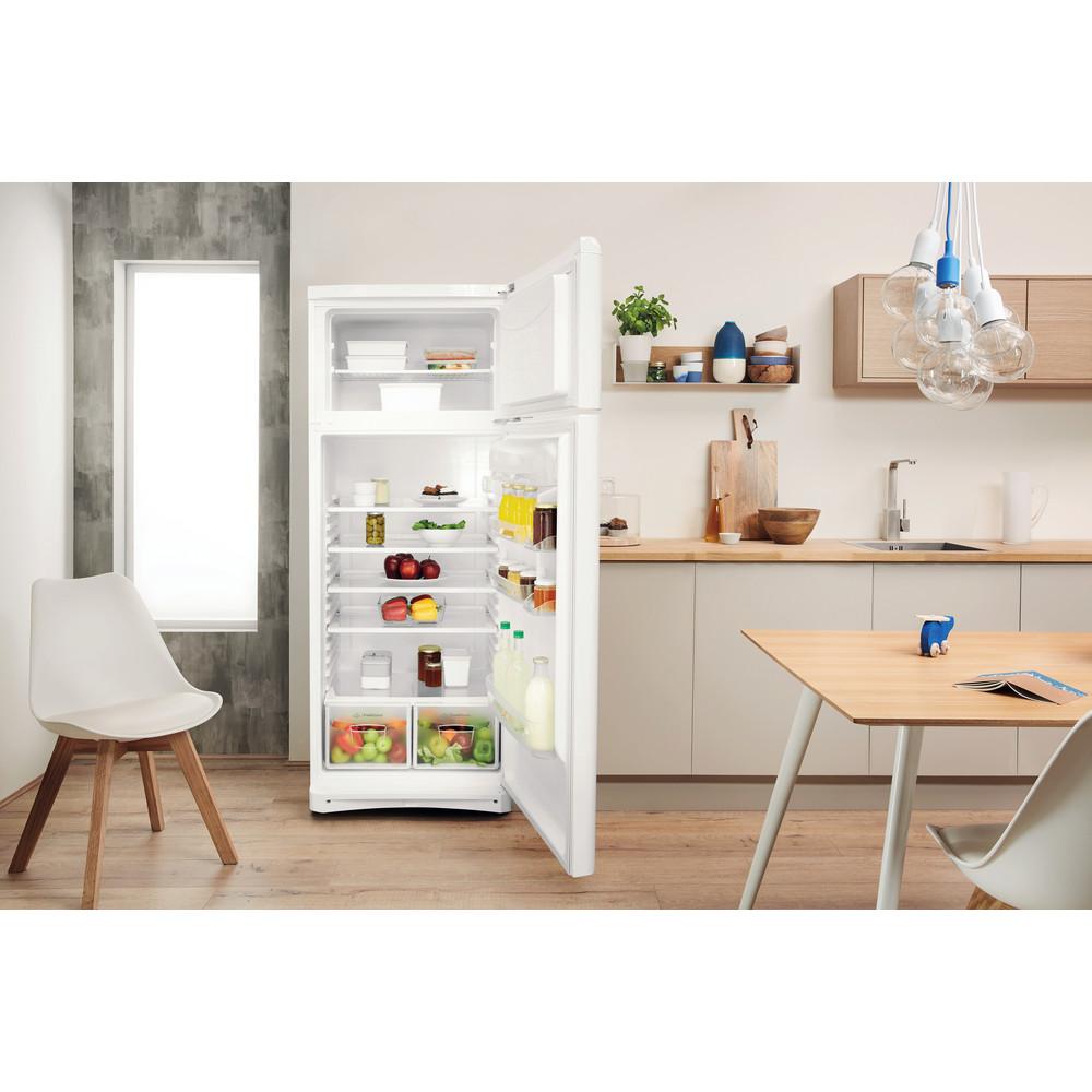 Indesit Combinación de frigorífico / congelador Libre instalación TAA 5 1 Blanco 2 doors Lifestyle frontal open