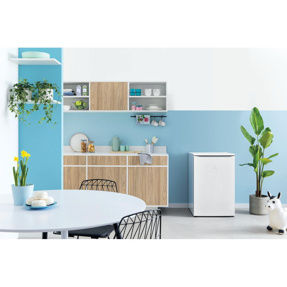 Indesit Congelatore A libera installazione I55ZM 111 W Bianco Lifestyle frontal