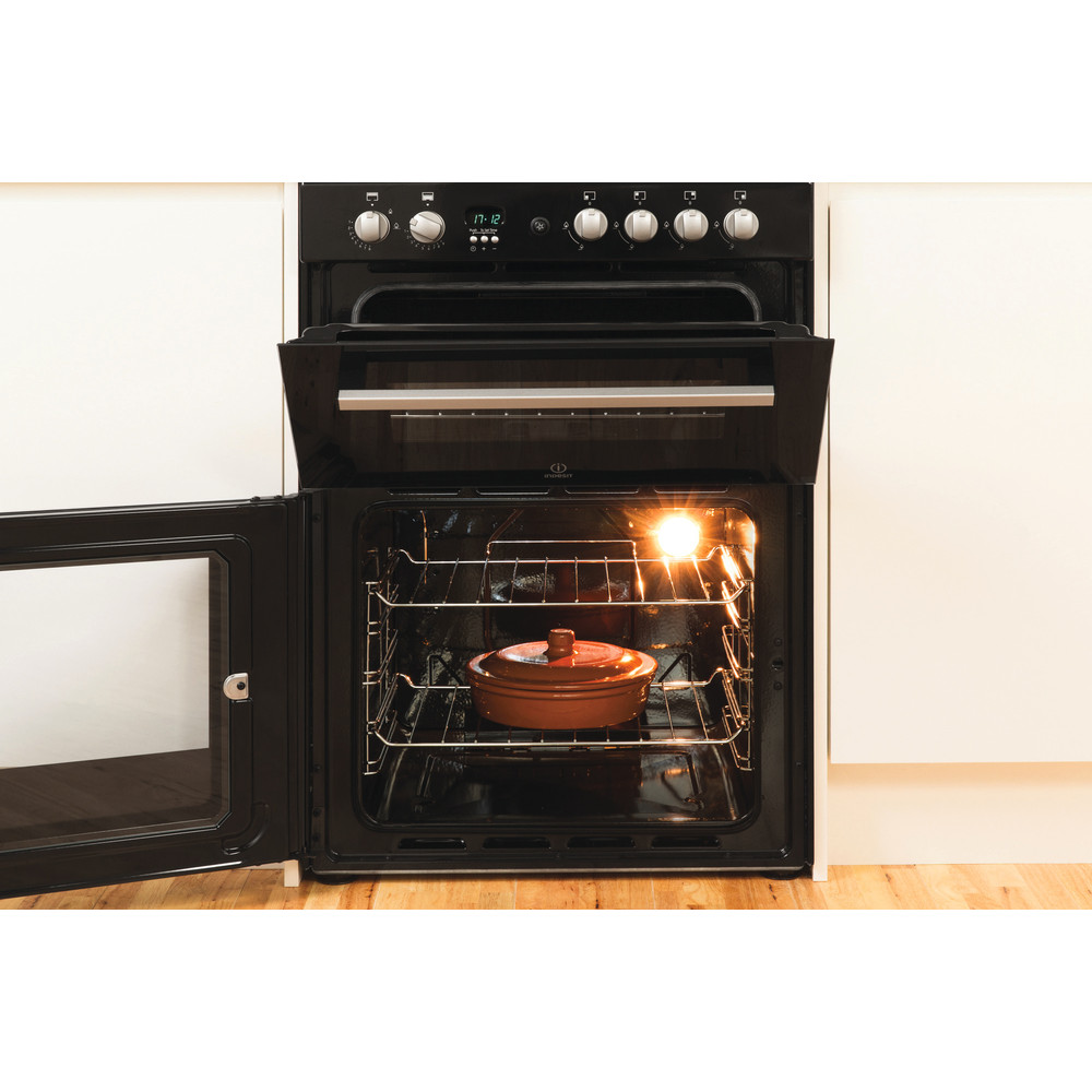 Indesit Double Cooker DD60G2CG(K)/UK Black A+ Enamelled Sheetmetal Lifestyle_Frontal_Open