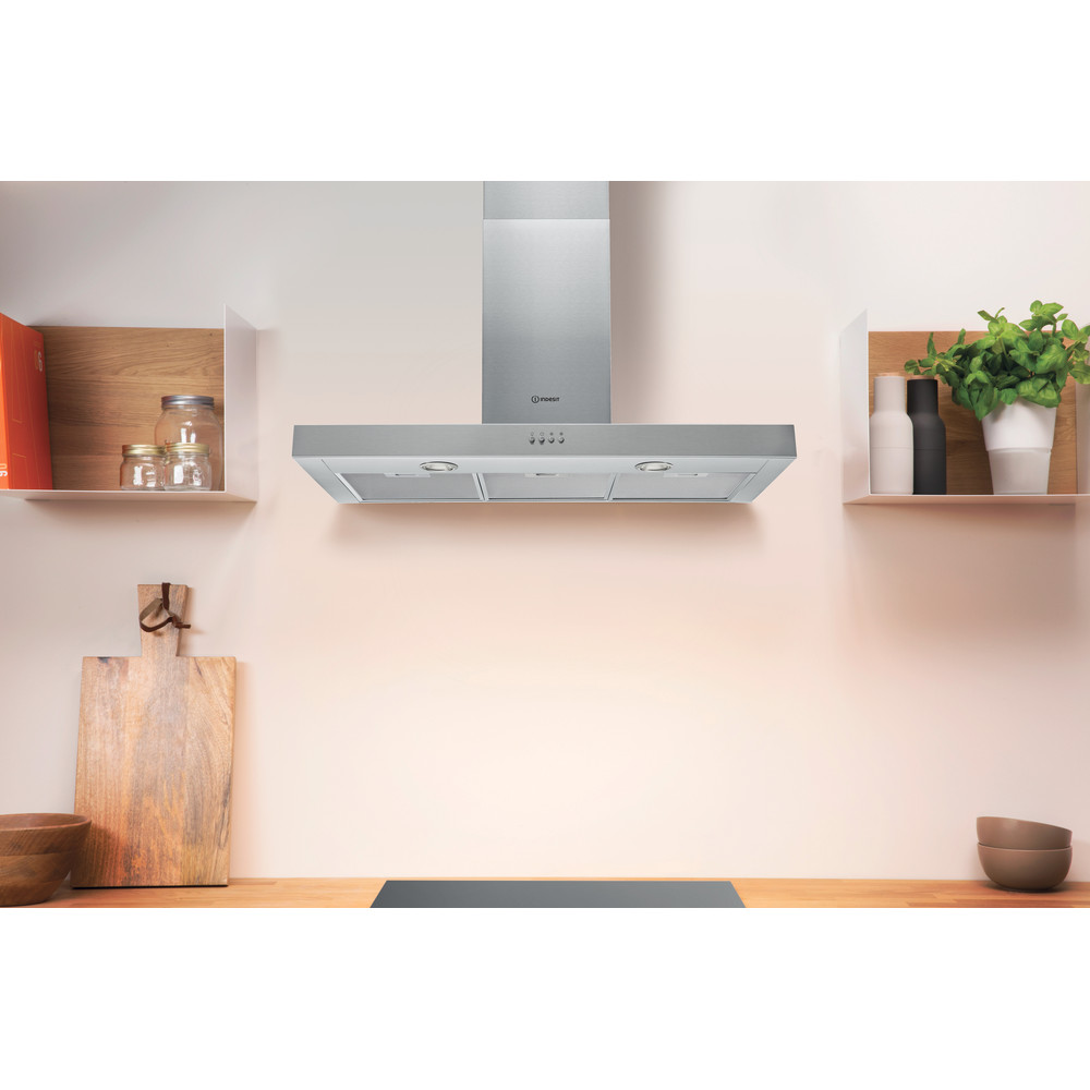 Indesit Hotte Encastrable IHBS 9.4 LM X Inox Mural Mécanique Lifestyle frontal