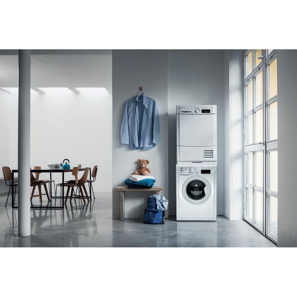 Indesit Стиральная машина Отдельностоящий IWUE 4105 (CIS) Белый Фронтальная загрузка A Lifestyle frontal