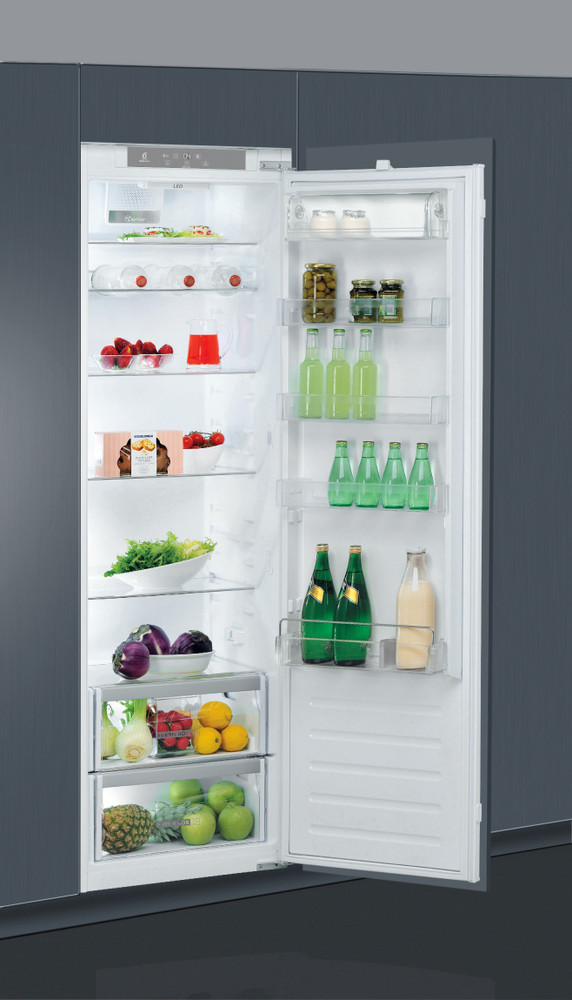 Whirlpool Refrigerator Built-in ARG 180832 White Perspective open